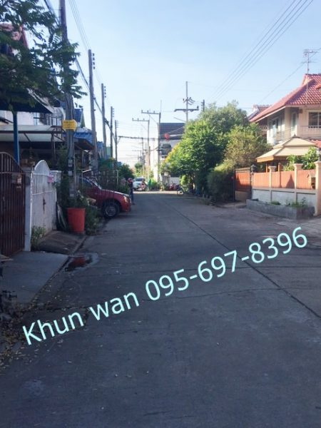 townhome for rent near Rangsit